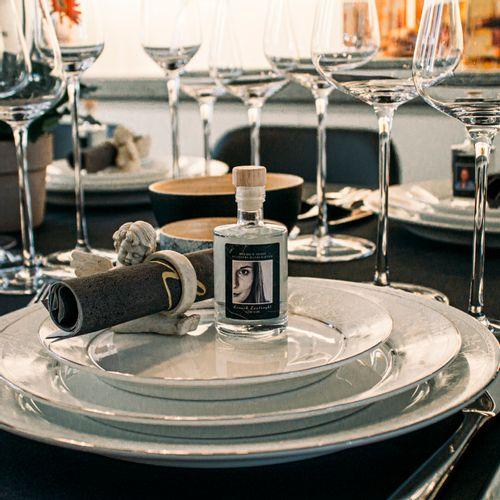 Plaatsaanduiding aan tafel